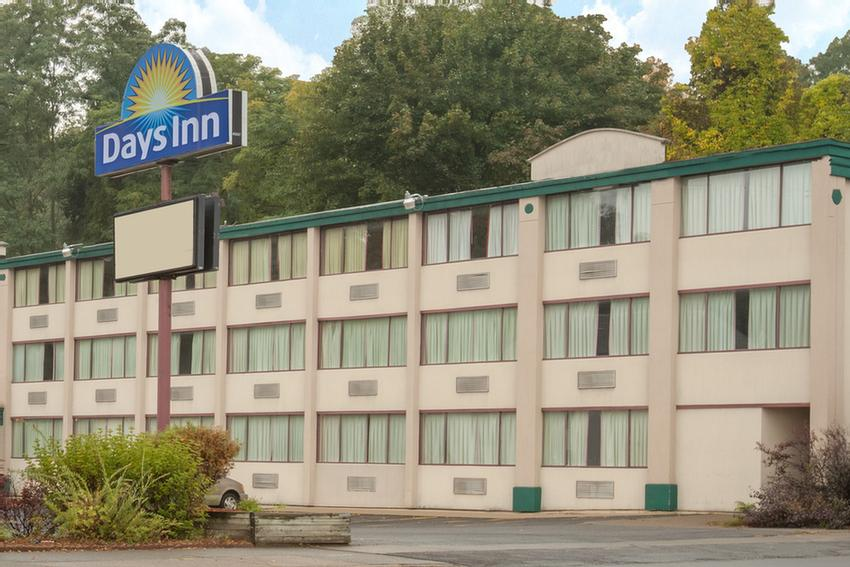 Welcome To Days Inn Schenectady 2 of 24