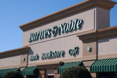 Barnes And Nobel -In Walking Distance To Hotel 14 of 15
