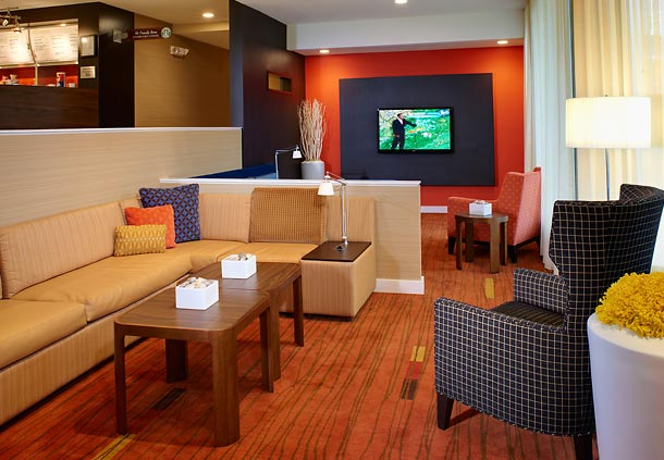 Lobby Photo By Fireplace 3 of 9