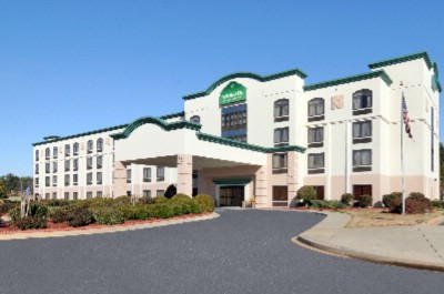 Wingate by Wyndham Greenville Airport 1 of 11