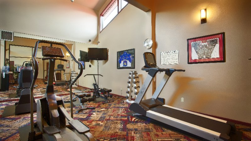 Fitness Room 17 of 22