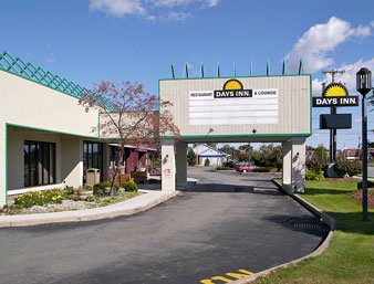 Days Inn Henrietta / Rochester Area 1 of 8