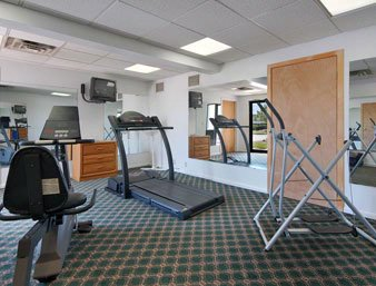 Fitness Center 4 of 8