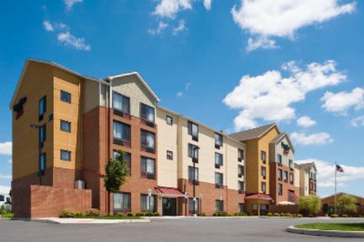 Holiday Inn Express And Suites Bethlehem 2533085353 2x1