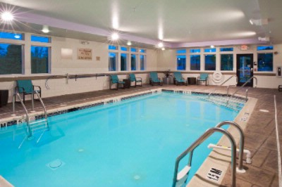 Our Refreshing Indoor Heated Pool & Spa Are Open Daily! 7 of 10