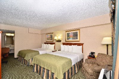 Clarion Hotel Queen Bed 16 of 29