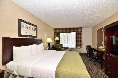 Clarion Hotel Suite 20 of 31