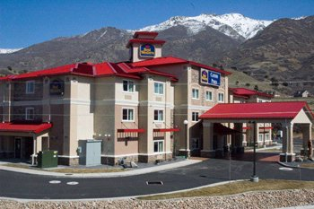 Best Western Plus Canyon Pines 1 of 10