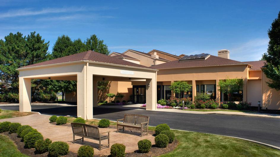 Toledo Airport Holland Courtyard Marriott 1 of 19