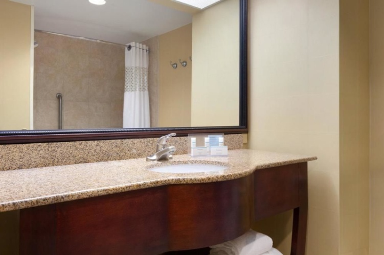 Granite Counter Top Bathrooms In All Guestrooms 13 of 17