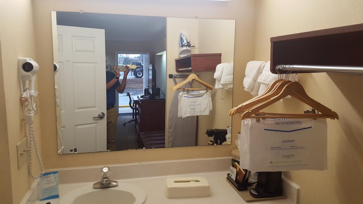 Vanity Area In Guest Room 9 of 10