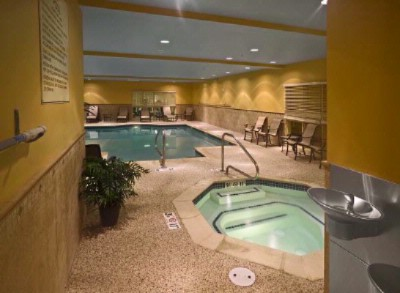 Indoor Pool And Jacuzzi 5 of 8