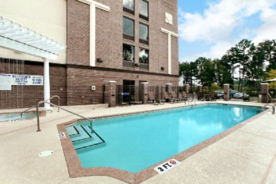 Outdoor Pool & Jacuzzi 11 of 16
