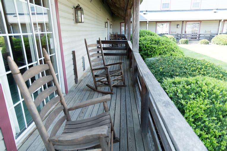 Porches 9 of 9