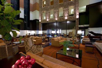 Doubletree Downtown Memphis Hotel Lobby 6 of 20