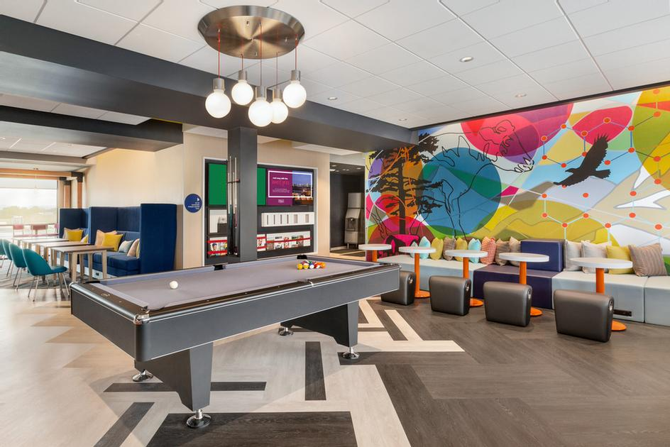 Lobby Game Room 19 of 22