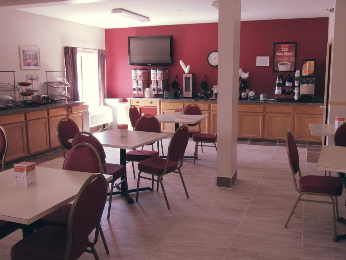 Breakfast Area 5 of 11