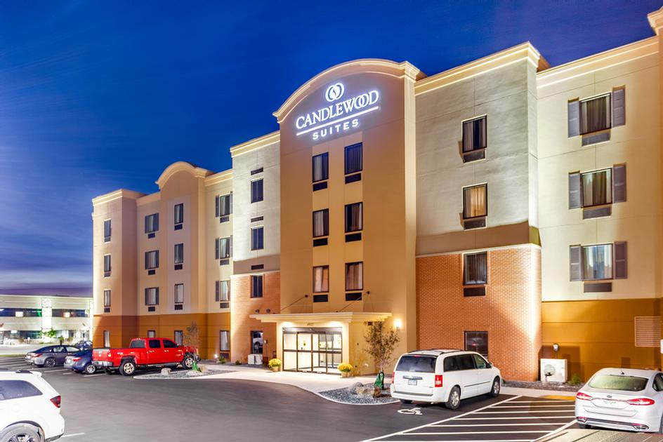 Candlewood Suites Eau Claire I94 1 of 8