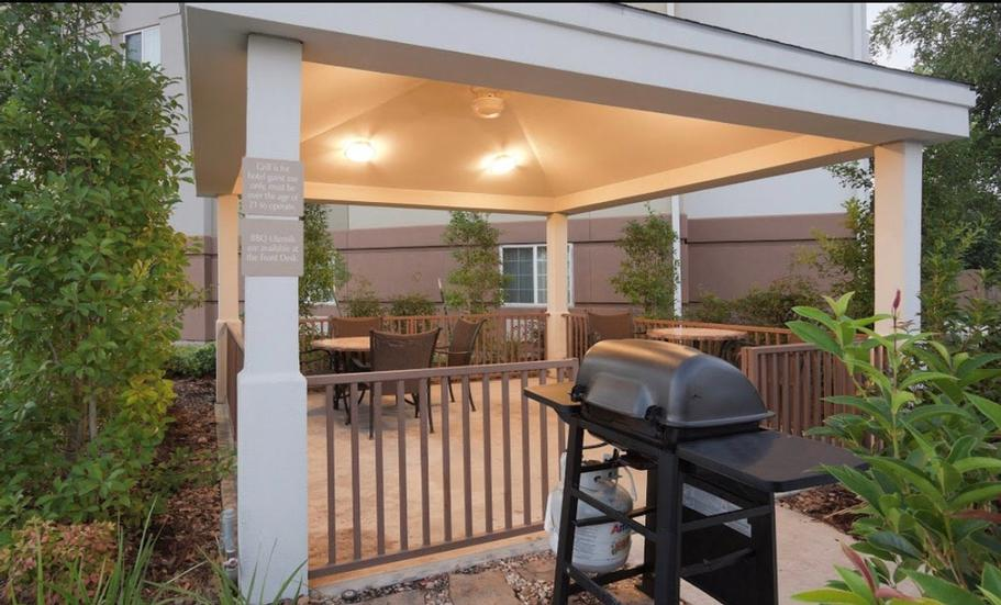Patio And Grilling Area 12 of 17