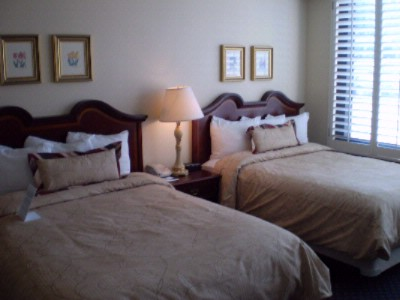Staybridge Suites Guest Room With Double Beds 4 of 8