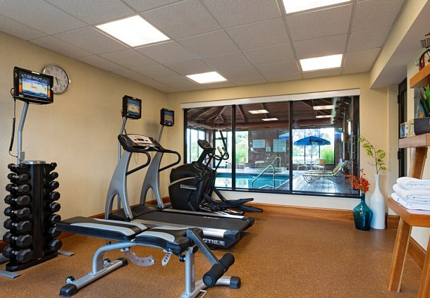 Fitness Facility 8 of 11