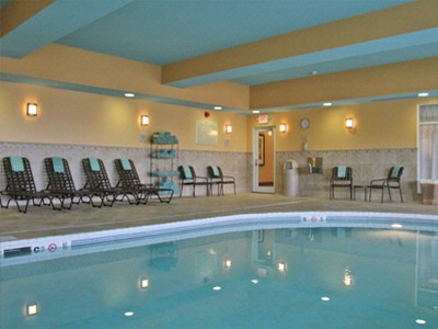 Pool With Spa For Your Swimming Pleasure. Relax By The Water After A Long Day. 14 of 19