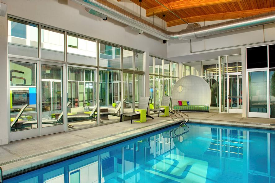 Splash -Dip Jump Or Lounge At Our Indoor Heated Pool Open Morning To Night. 4 of 11