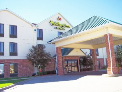 Holiday Inn Express 1 of 8