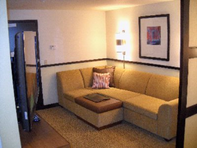 8\' Sleeper Sofas In All Guest Rooms 10 of 16