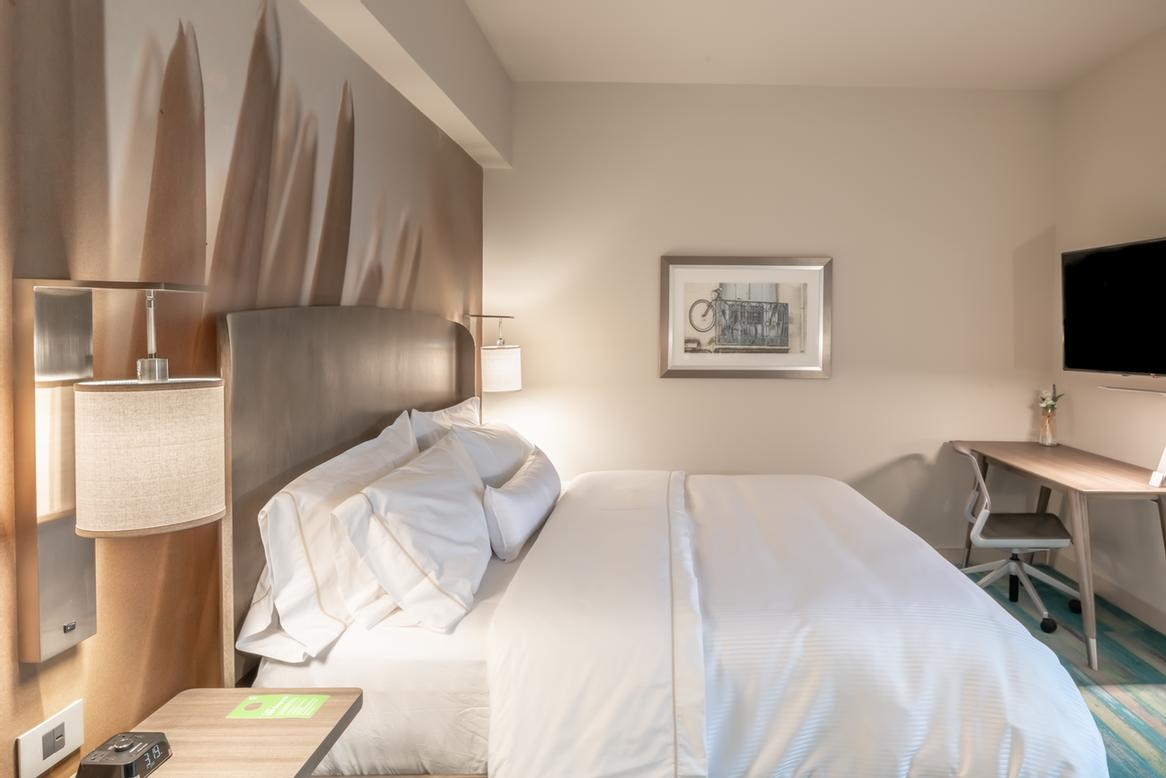 Enjoy A Great Night\'s Sleep On Our Signature Heavenly Beds 4 of 9