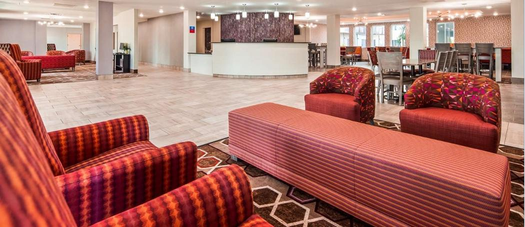SureStay Plus Hotel by Best Western Kansas City Airport 1 of 10