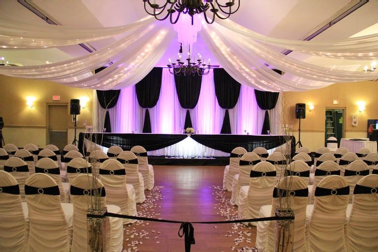 Large Banquet Facilities To Cater To Your Every Need 7 of 18