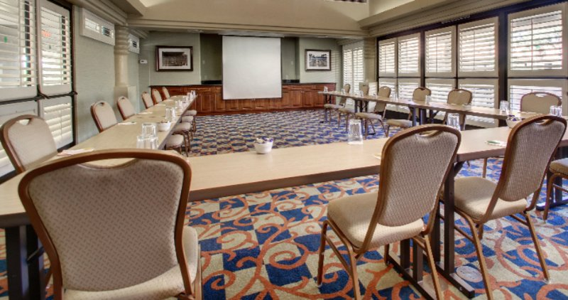 Solana Room Meeting Space 8 of 13