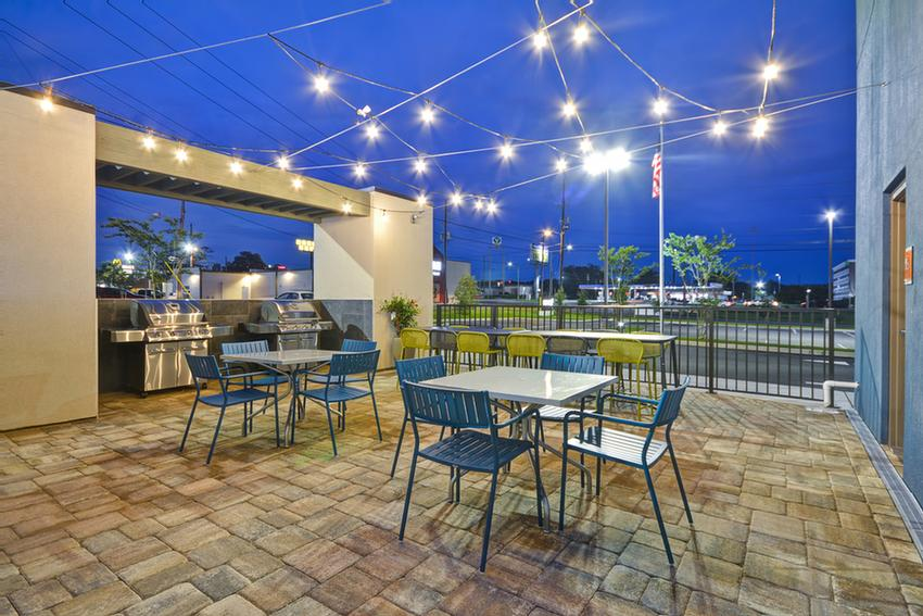 Patio With Gas Grills 8 of 10