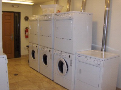 24hr Complimentary Laundry Facilities 16 of 31