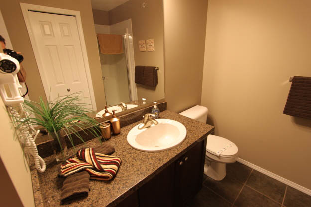 2 Bedroom Suite -Bathroom 16 of 21