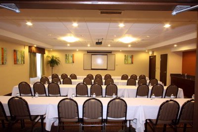 Meeting Room Classroom Style 6 of 13