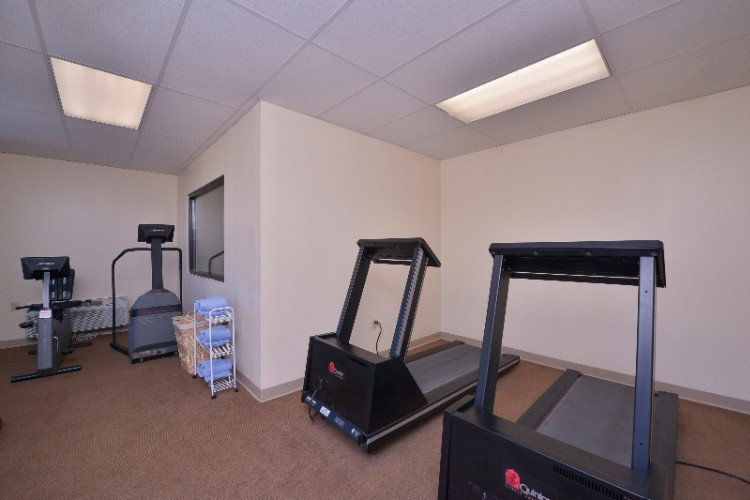 Fitness Room 9 of 21