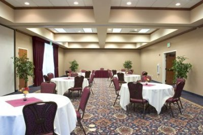 Banquet Room 3 of 8