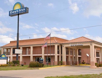 Days Inn Front 2 of 7