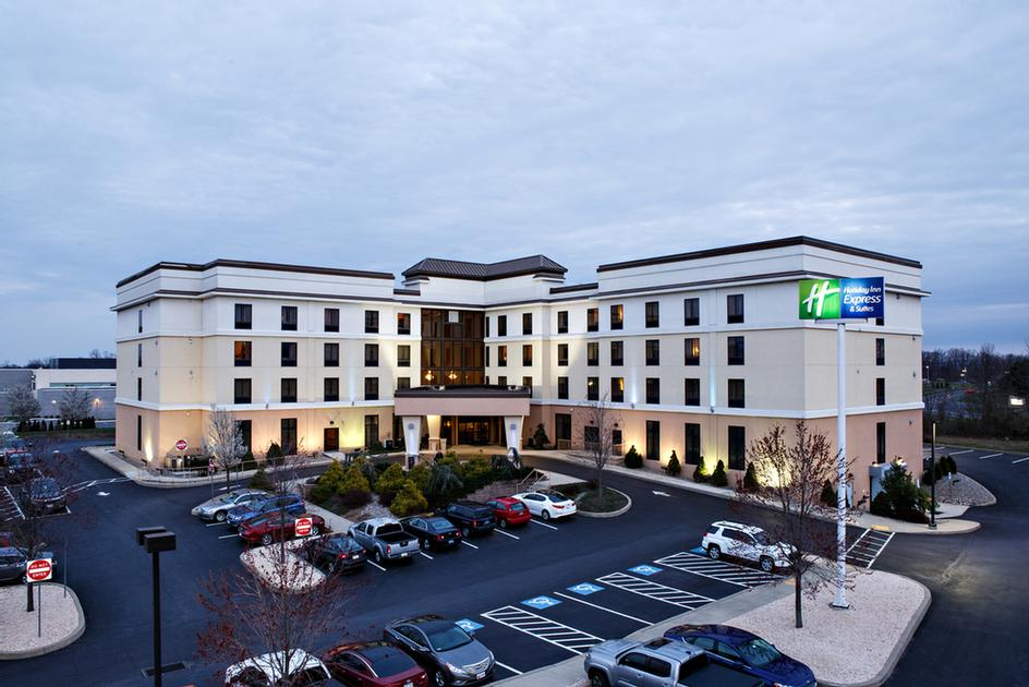 Holiday Inn Express Hotel & Suites Harrisburg West 1 of 21