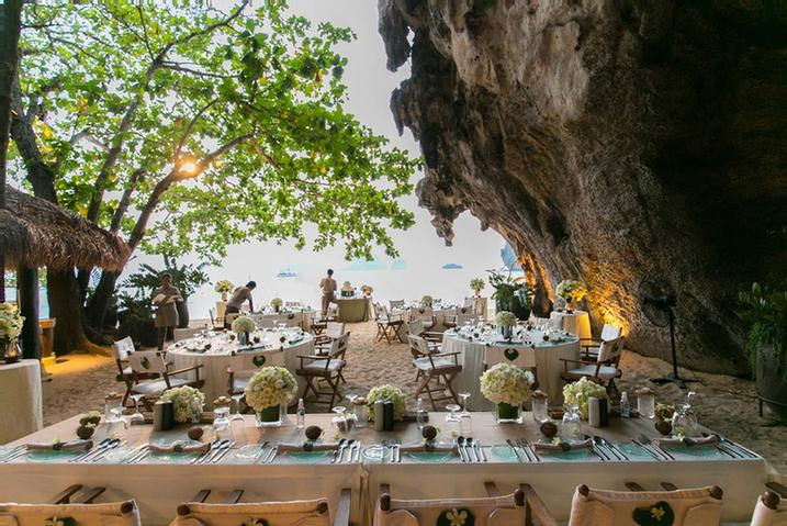 Wedding Dinner At The Grotto 7 of 11