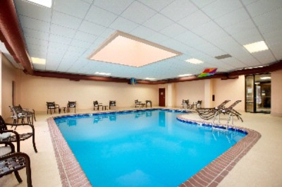 Indoor Pool 10 of 16
