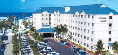 Comfort Suites Seven Mile Beach & Resort