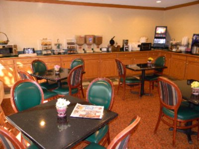 Breakfast Area With Free Continental Breakfast 7 of 7