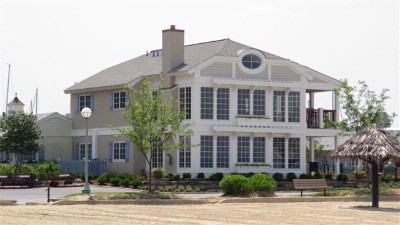 Beach House Suites: Chesapeake & Shoreline 6 of 13