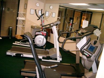 Exercise Room La Quinta Inn + Suites Louisville 12 of 18