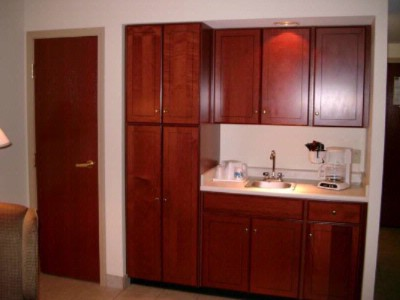 Wet Bar Microwave And Refrigerator La Quintainn & Suites Louisville 13 of 18