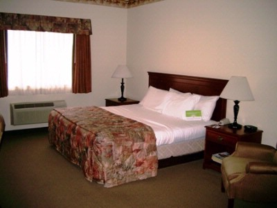 One Room Suite With One King Bed La Quinta Louisville 9 of 18