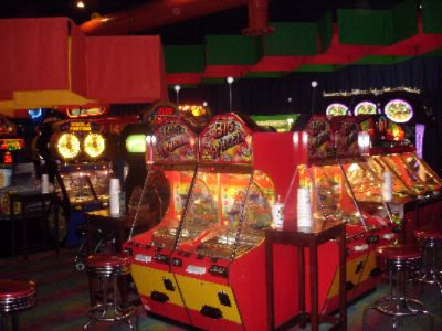 Dave & Buster\'s Game Room 9 of 14